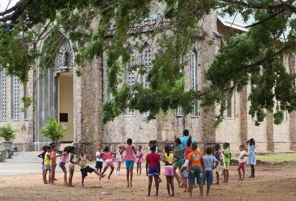 Schulkinder auf den Seychellen