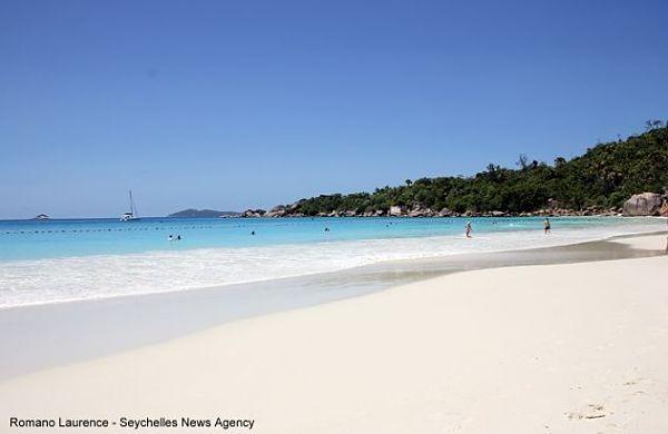 Seychellen Anse Lazio Hai Netz