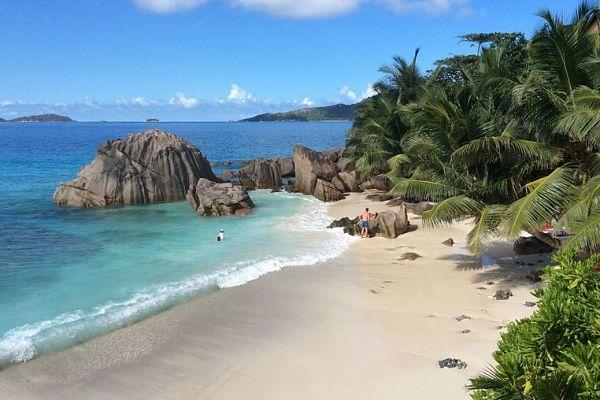 seychellen-reisezeit-traumstrand